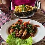 Photo de Crystal Restaurant and Bar