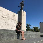 Che's statue