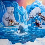 Let's go to a winter wonderland and pose with dizzying scenes from an ice cliff!