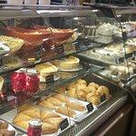 صورة فوتوغرافية لـ La Baguette Bakery & Cafe