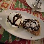 Binofie Pie with Ice Cream