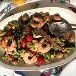 Un angolo meraviglioso di Kerkennah, cibo bio eccellente di alta cucina. Pesce fresco, antipasti di pesce.