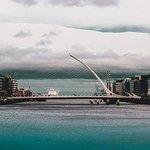 صورة فوتوغرافية لـ Samuel Beckett Bridge