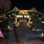Diner bij restaurant Mood met een mooie ontvangst aan de strandbar waarna je wordt begeleid naar
