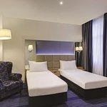 rendezvous hotel melbourne deluxe room bedroom twin