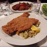 Schnitzel with parlsley potatoes