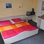 Alle Zimmer sind mit Kochgelegenheiten (Küchenzeile oder Kochplatten) ausgestattet.