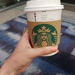 صورة فوتوغرافية لـ Starbucks Coffee (HKG Terminal 1 Arrival Hall)