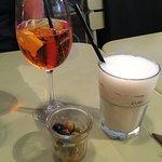 Pour bien débuter le repas, rien de tel qu'un Spritz et une Pina Colada...