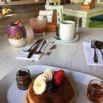 Pancake mit Sirup und selbstgemachter Haselnusscreme