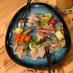 Selektion von verschiedenen Fischspezialitäten vom Chef persönlich ausgewählt und präsentiert. H