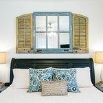 Girod Suite, king bed