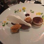 Ovation, Mayflower Restaurant照片