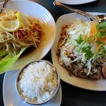 Papaya salad and Pad Thai