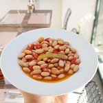 """This meal is called """"Zeytinyağlı Barbunya"""" it's made by cranberry beans with olive oil. It's a delicious meal that is very common in Turkish cousine."""