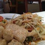 Foto de Lotus Moon Thai Cuisine