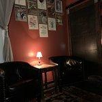 Foto de The Bookcase & Barber