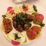 صورة فوتوغرافية لـ فيروز أجود المأكولات اللبنانية