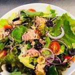 Salada de folhas com atum