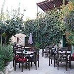 صورة فوتوغرافية لـ El Housh Cafe