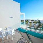 One Bedroom Suite - Aegean Swim-Up Suites