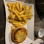 Tiny pie and oven chips