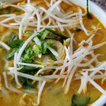 Fully dressed laksa with chicken