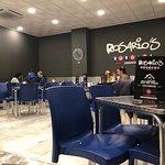 Foto de Rosario's Burgers Restaurant