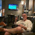 صورة فوتوغرافية لـ Executive Cigar Shop & Lounge