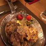 Schlemmertöpfli (2 Filets mit Rösti und Gemüse-Beilage)