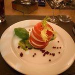 Tomaten-Morzarelle-Salat als Vorspeise