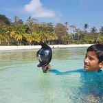 Jonathan che si cimenta come videomaker nella splendida Isola di Koh Kham, vicino a Koh Mak in Thailandia