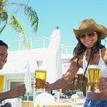 牛仔沙灘酒吧餐廳照片