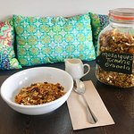 Mosaiques Oven Baked Turmeric Granola, Outta This World!!