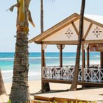 A stunning beach with a beach bar for food and drinks a couple of steps away.