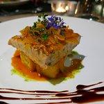 Ventresca vom Thunfisch mit Zwiebeln