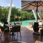 Firefly Pool & Restaurant照片
