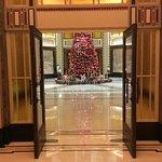 Fairmont Peace Hotel Photo