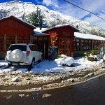 Frontis del Restaurant en día Nevado.