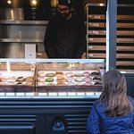 Zdjęcie Crosstown Waterloo - Doughnut Truck
