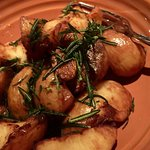 Patate Arrosto al Prosecco con Rosmarino e Aglio (crispy potatoes with prosecco vinegar, rosemar