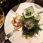 Lady-Steak mit Bratkartoffeln und Avocado-Sauce