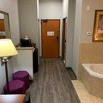 Best Western Plus San Antonio East Inn & Suites Image