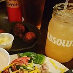 Strong drink, excellent brisket salad, and good hush puppies!