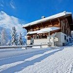 Klassische Ansicht des Hotels im Winter (376824596)
