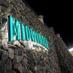 บรรยากาศมิดวินเทอร์ กรีน (Midwinter Green )