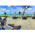Foto dari Resto dengan view Pantai
