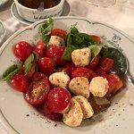 tomato caprice ensalada