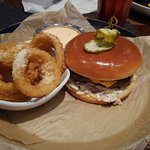 ภาพถ่ายของ Cin Cin Burger Bar