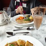 Photo de Dining with Distinction